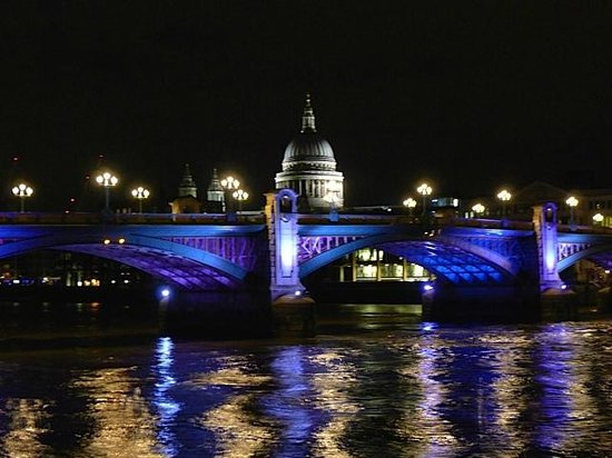 Fat Tire Bike Tours - London: View of St. Paul's Cathedral from the south bank of the Thames