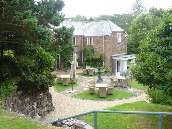 Boscundle Manor Hotel Restaurant and Spa : View from the croquet lawn