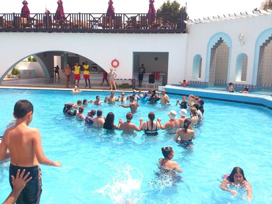 Orient Palace Hotel : wodny aerobik