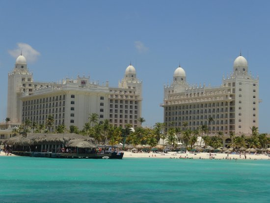 Hotel Riu Palace Aruba: view of hotel from boat