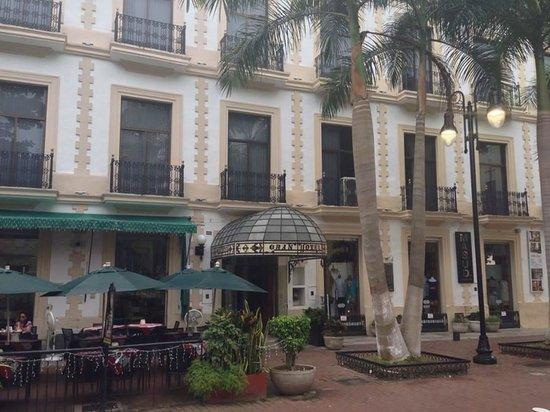 Gran Hotel de Merida: Hotel Main Entrance
