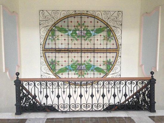 Gran Hotel de Merida : Hotel Stairway