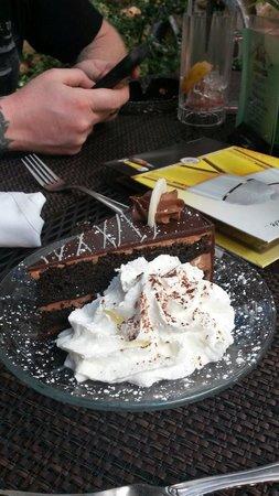 Edelweiss Restaurant: Triple chocolate torte