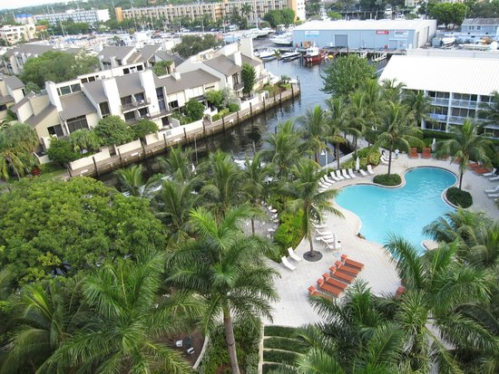 Hilton Fort Lauderdale Marina : This is the pool view from our room
