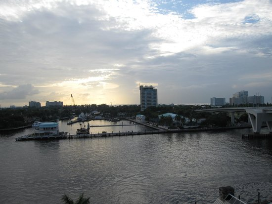 Hilton Fort Lauderdale Marina : This is one of the views from our room