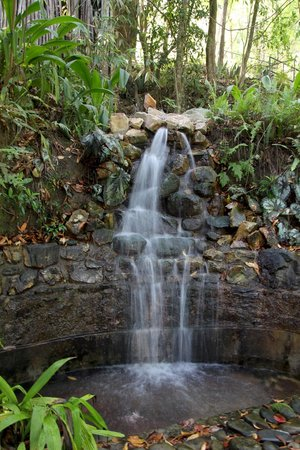 The Dwarika's Resort-Dhulikhel: A waterfall in the garden