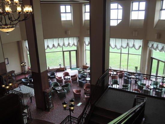 Hotel Grand Mer Sankaiso: 2階からとったロビーです