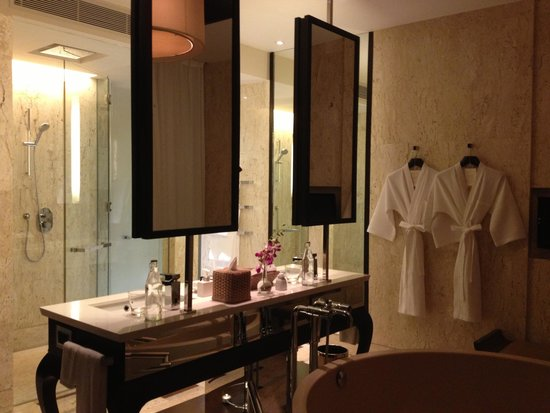 Conrad Koh Samui Resort & Spa: Bathroom
