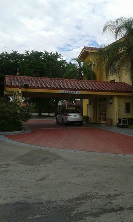 La Quinta Inn Miami Airport North: HOTEL
