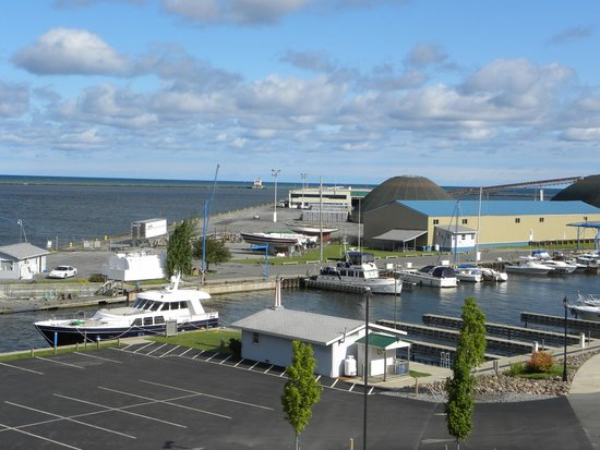 Best Western Plus Oswego Hotel And Conference Center: A view from our balcony