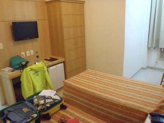 Hotel OK: quarto