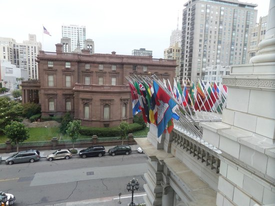The Fairmont San Francisco: View from Luxembourg Suite