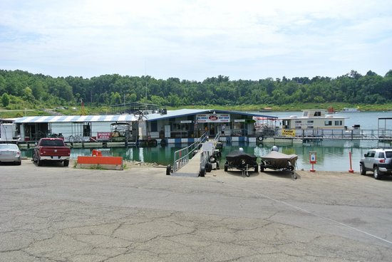 Bull Shoals Lake Boat Dock: the marina