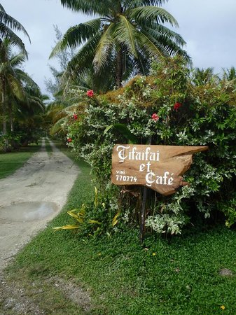 Entrance to Tifaifai et Cafe