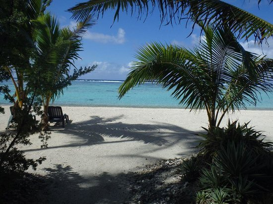 Tifaifai et Cafe : Private beach on the motu