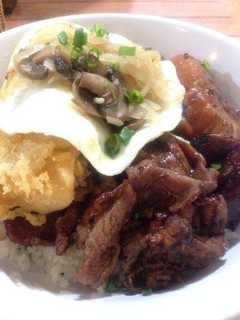 Da Kitchen Kahului: Da Kine Moco = yummy!