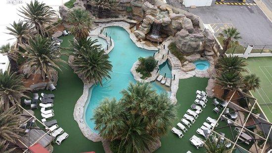 Rendezvous Hotel Perth Scarborough: Pool area