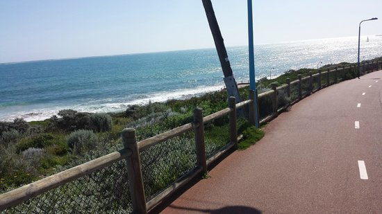 Rendezvous Hotel Perth Scarborough: Stunning view while riding along the beautiful coastline