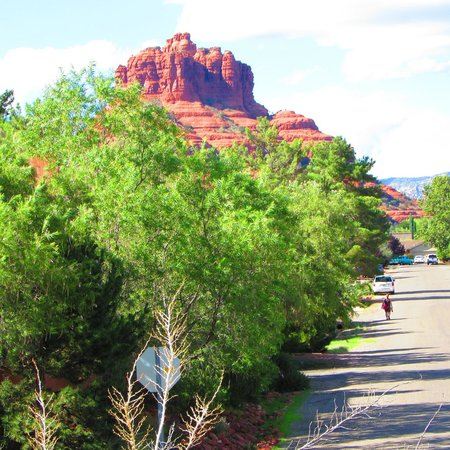 Days Inn Kokopelli Sedona: view from rooms that face Bell ROck