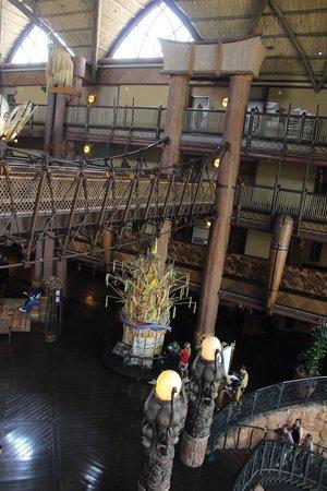 Disney's Animal Kingdom Lodge: ロビーの吊り橋