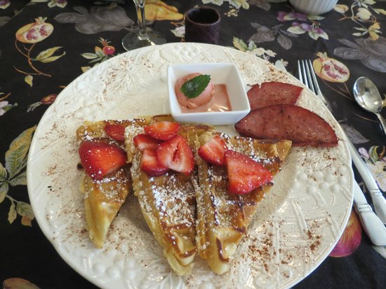 Inn at Laurita Winery: Our delectable breakfast!