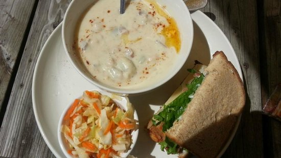 Parkside Coffee House: Clam chowder is the best