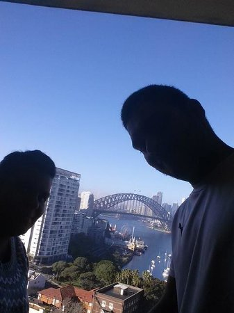 North Sydney Harbourview Hotel: lift view