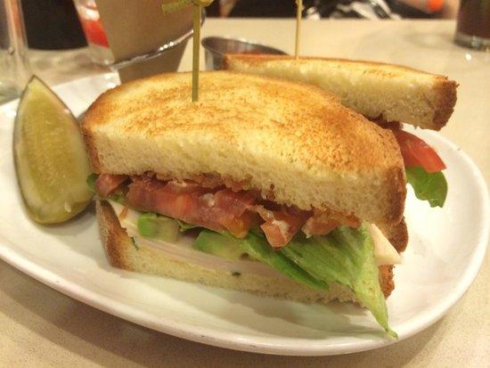 Chicago Marriott at Medical District/UIC : Turkey Club Sandwich