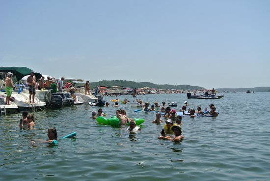 Lake of the Ozarks: people gathered for shootout