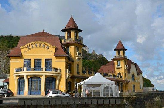 Le casino picture of hotel des bains granville for Hotel des bains paris