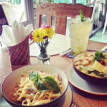 Cafe Moonlight Bali: Pasta & Salad