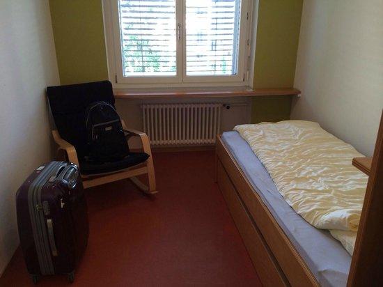 Generation YMCA Hostel: シングルルーム