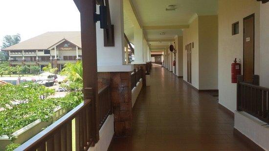 Tok Aman Bali Beach Resort: Clean balcony