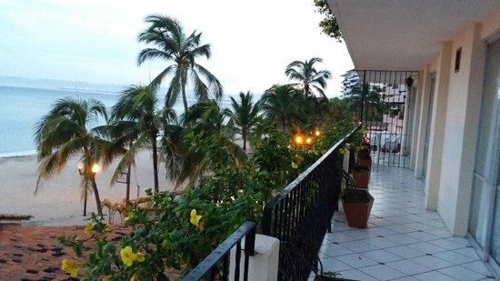 Playa Los Arcos Hotel Beach Resort & Spa: Our wrap around balcony facing the ocean