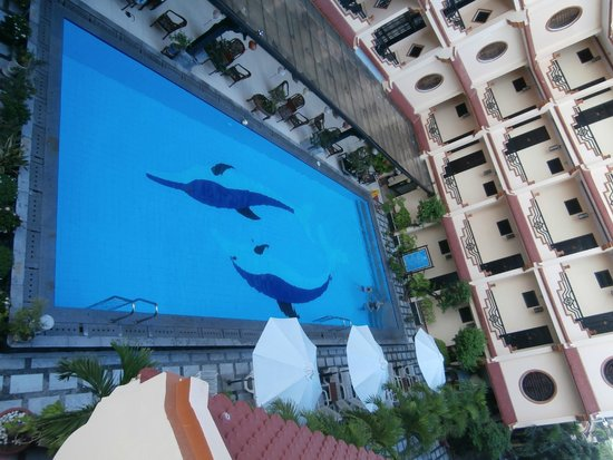 Hoi An Glory Hotel & Spa : view from balcony to pool