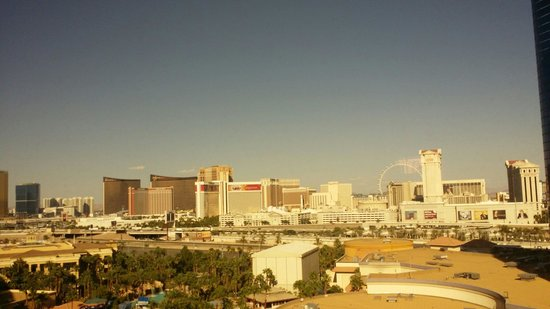 Rio All-Suite Hotel & Casino: Fantastic view To the strip!