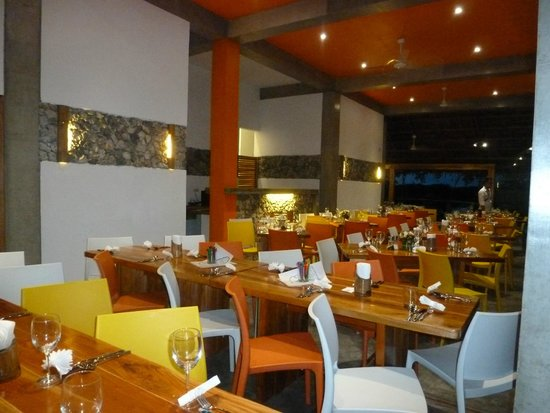 Amihan Restaurant - Tepanee Beach Resort: Amihan restaurant