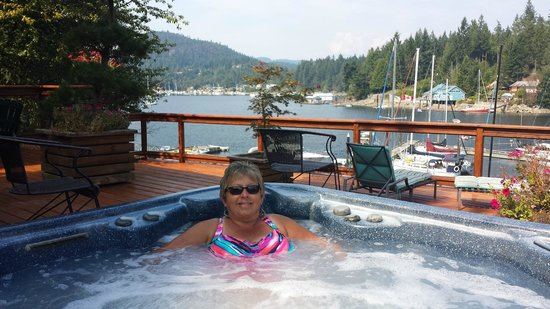 Sunshine Coast Resort Hotel & Marina: Loved the Hot Tub!