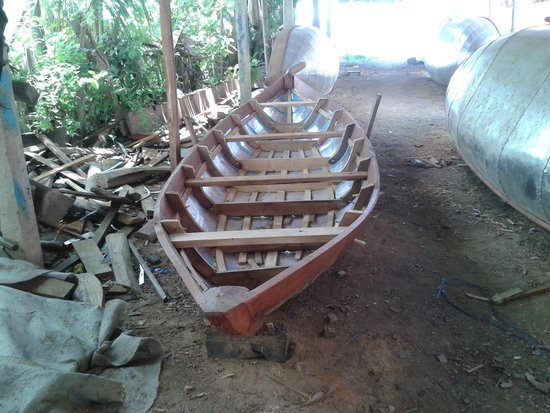 Kim Bong Carpentry Village : boat workshop