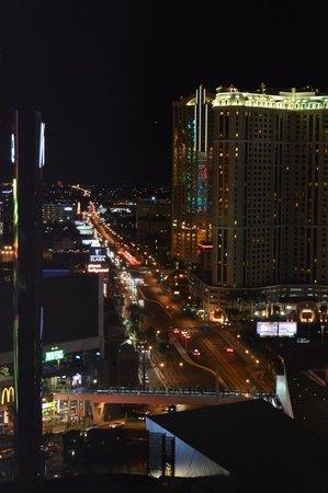 ARIA Resort & Casino: Vegas strip