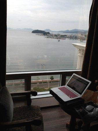 B & Beach Tourist Hotel : Aus dem Fenster