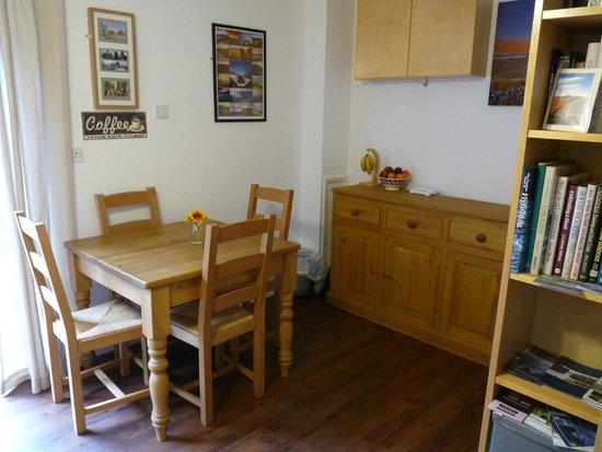 Peartree Bed and Breakfast: Breakfast room 1