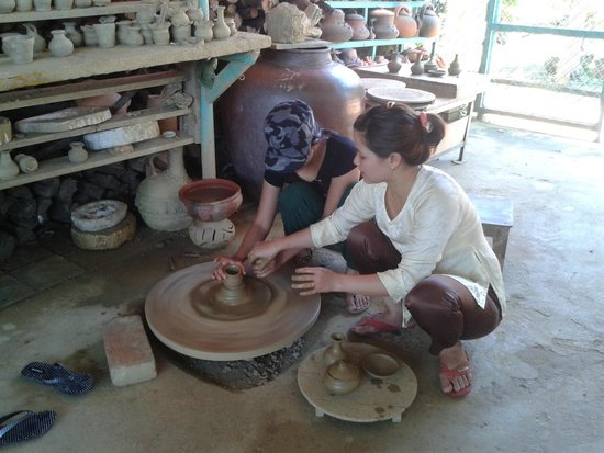 Thanh Ha Pottery Village: I tried my hand at pottery making