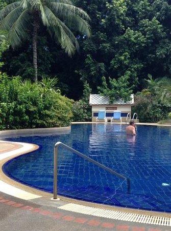 Paradise Beach Resort : garden pool