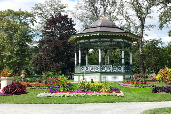 Halifax Public Gardens : In the Public Gardens