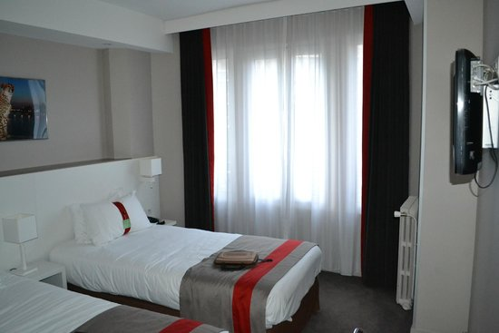 Holiday Inn Paris Auteuil : интерьер номера