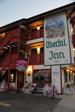 Obertal Inn: Front View