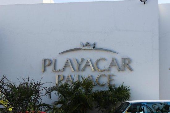 Playacar Palace: Front