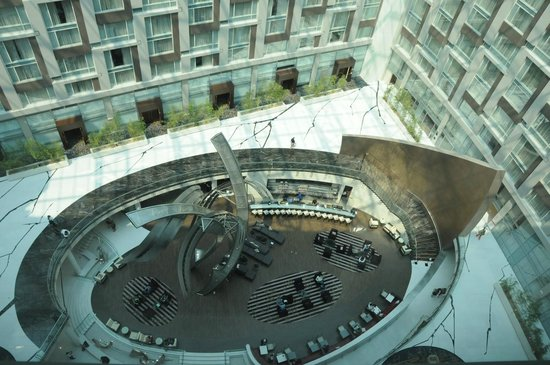 Marriott Marquis Washington, DC: View down from room: Atrium