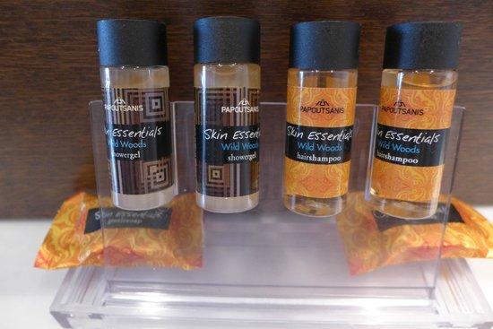 Hermes Hotel: Bathroom supplies